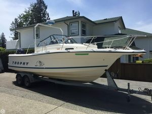 Used Trophy 2509 Walkaround Fishing Boat For Sale