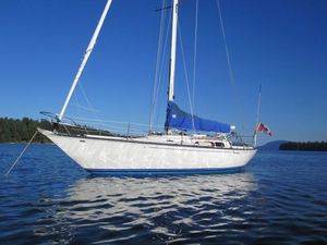 Used C&c 38 Racer and Cruiser Sailboat For Sale