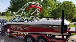 Used Moomba 20 Outback V Ski and Wakeboard Boat For Sale
