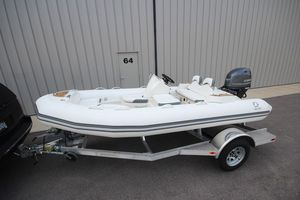 New Zodiac Yachtline 440 Deluxe NEO 60HP IN Stock Rigid Sports Inflatable Boat For Sale