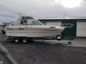 Used Sun Runner 245 OFFSHORE Express Cruiser Boat For Sale
