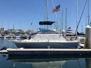 Used Uniflite 32' Sport Sedan Convertible Fishing Boat For Sale