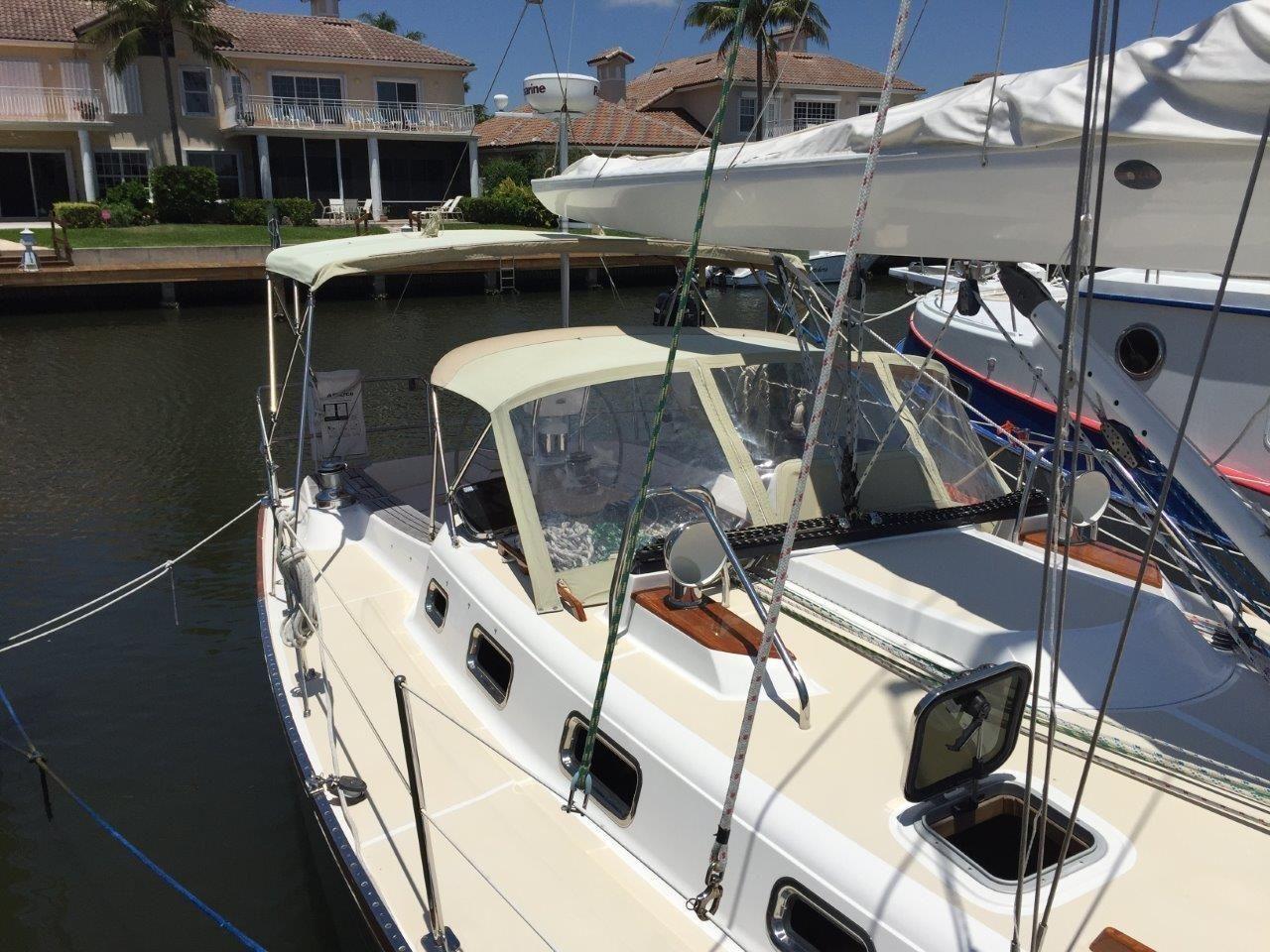 2008 Used Tartan 3700 CCR Cruiser Sailboat For Sale