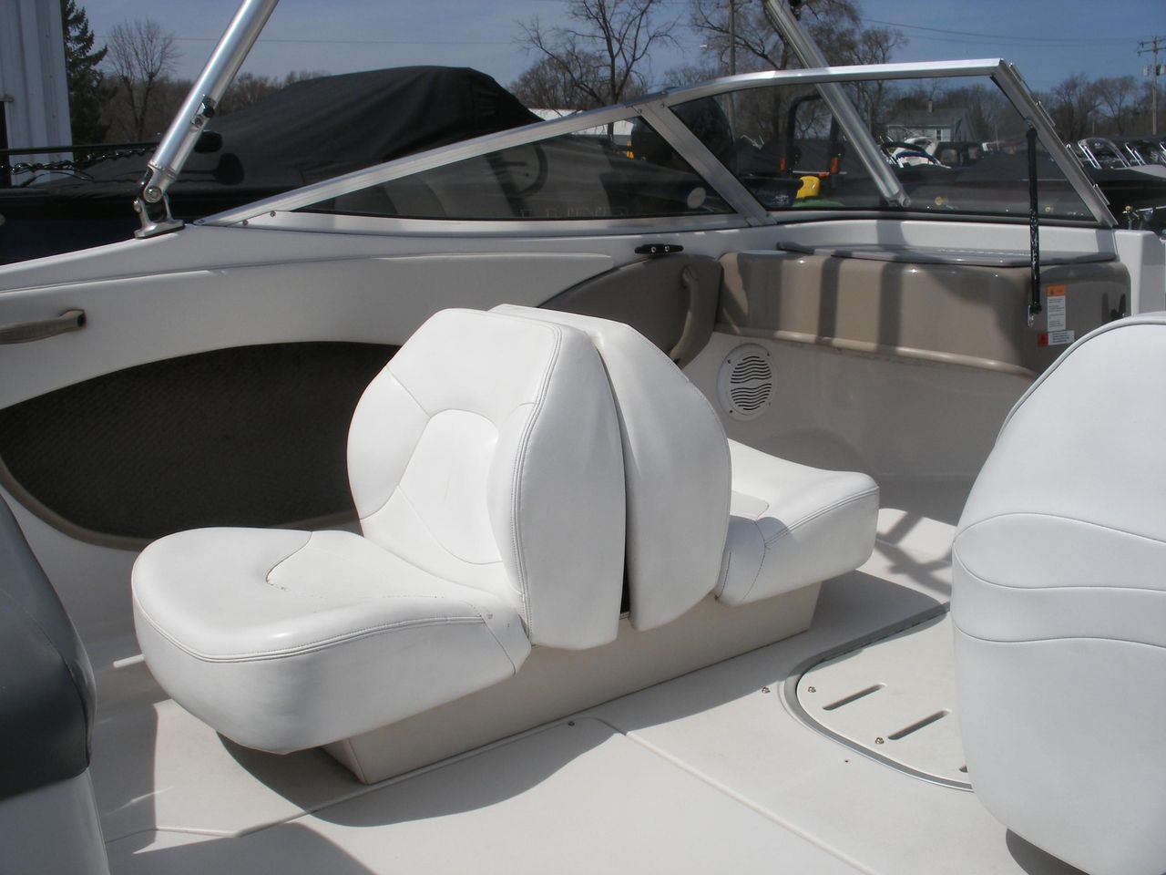 2002 Used Four Winns Freedom 170 Bowrider Boat For Sale