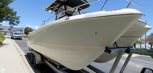 Used World Cat 246SF/CC Power Catamaran Boat For Sale