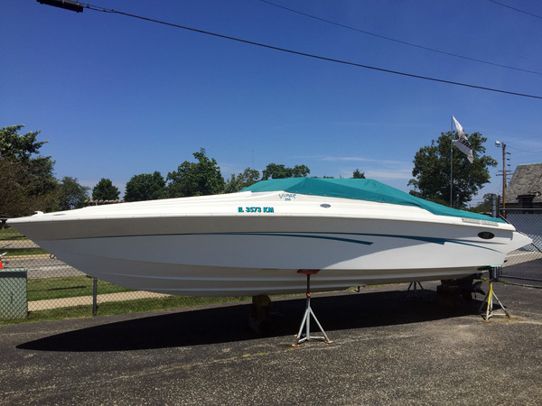 Used Imp 280 Viper High Performance Boat For Sale