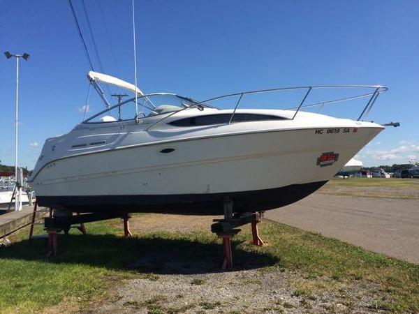 Used Bayliner 2455 Ciera Cuddy Cabin Boat For Sale