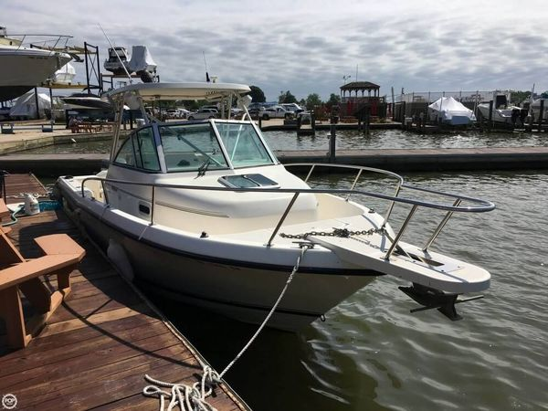 Used Pursuit 2470 WA Walkaround Fishing Boat For Sale