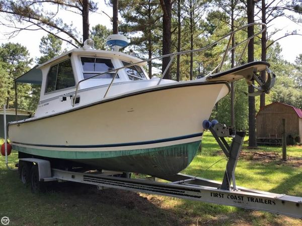 Used Shamrock 260 Mackinaw Pilothouse Boat For Sale
