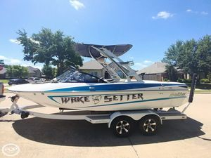 Used Malibu Wake Setter 21 Ski and Wakeboard Boat For Sale