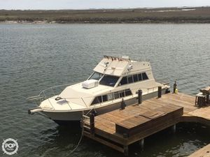 Used Carver 3326 Voyager Express Cruiser Boat For Sale
