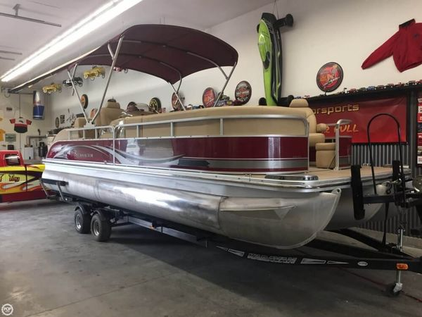 Used Bennington 2575 RCW Pontoon Boat For Sale