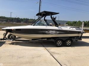 Used Centurion Enzo SV230 Ski and Wakeboard Boat For Sale