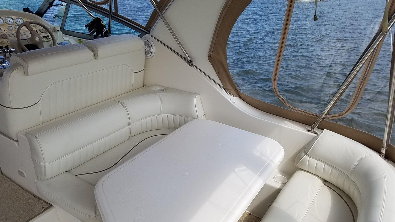 1998 Used Cruisers Yachts 3375 Express Cruiser Boat For Sale