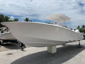 New Invincible 33 Open Fisherman Center Console Fishing Boat For Sale