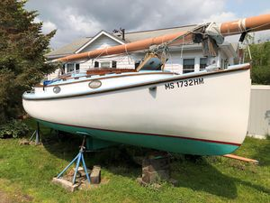 Used Marshall 22 Daysailer Sailboat For Sale