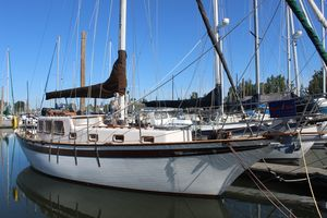 Used Endurance 35 Pilothouse Sailboat For Sale