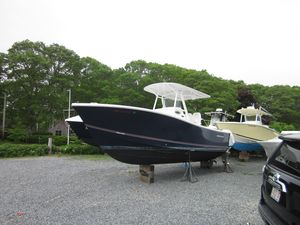 Used Regulator 25 Center Console Fishing Boat For Sale