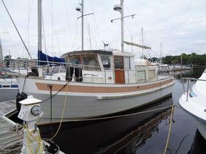Used Sundowner Tug 32 Trawler Boat For Sale