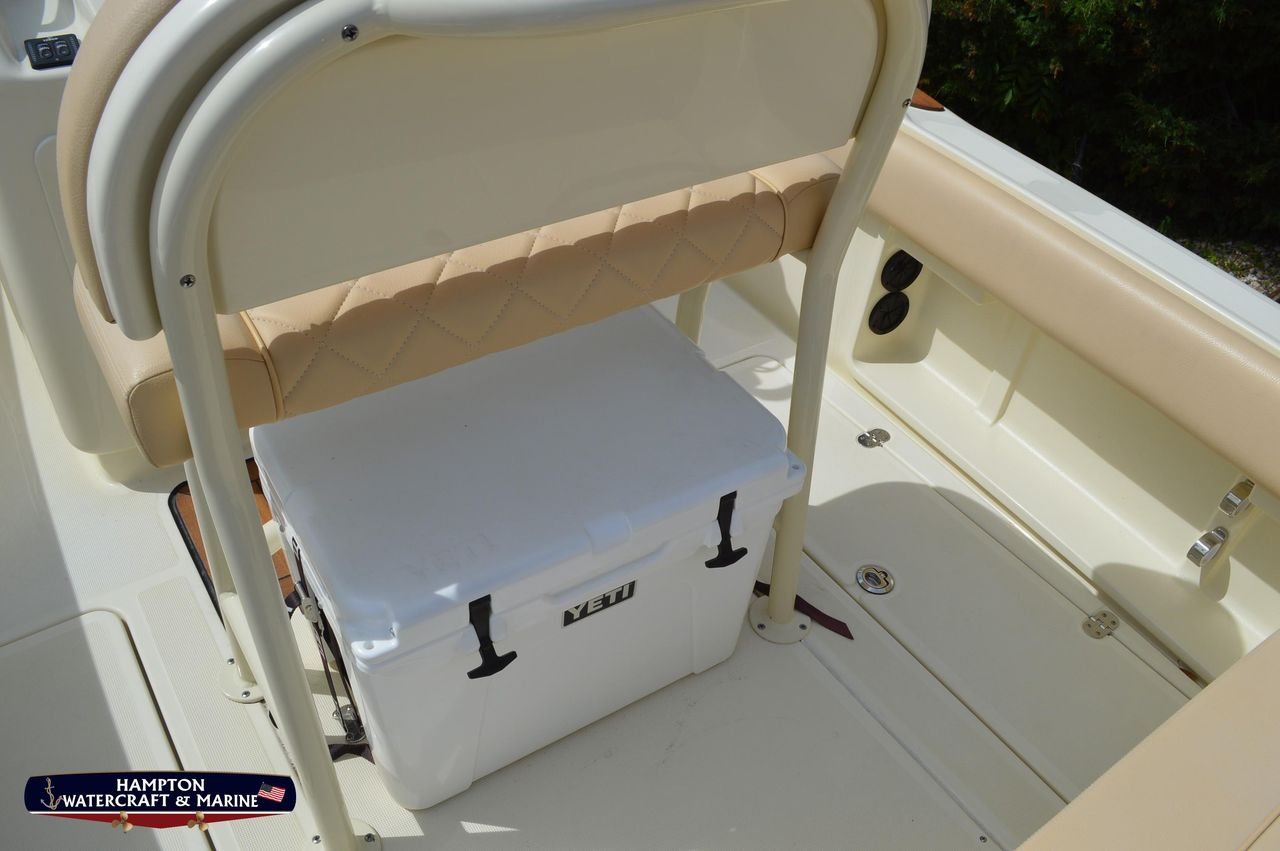 2015 Used Chris-Craft Catalina 23 Center Console Fishing