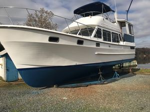 Used Heritage East Sundeck MY Motor Yacht For Sale