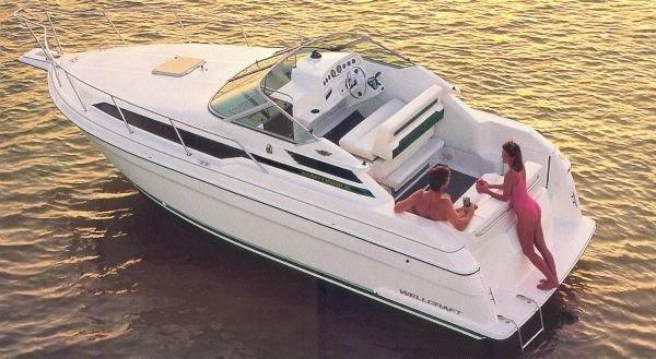 Used Wellcraft 2700 Express Cruiser Boat For Sale
