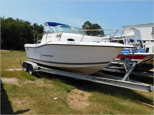 Used Seaswirl Striper 2100 Cuddy Cabin Boat For Sale