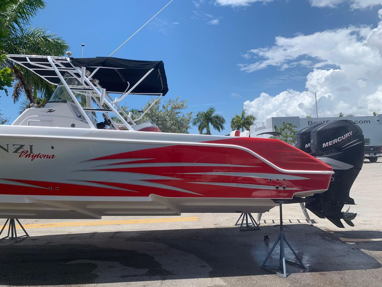 2007 Used Donzi 35 ZF Cuddy Center Console Fishing Boat For