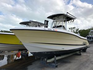 Used Hydra-Sports Vector 2400 CC Freshwater Fishing Boat For Sale