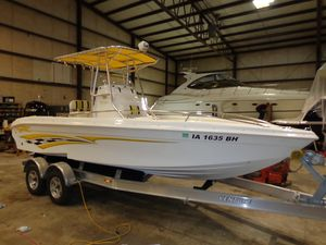 Used Glasstream 242 CCX Center Console Fishing Boat For Sale