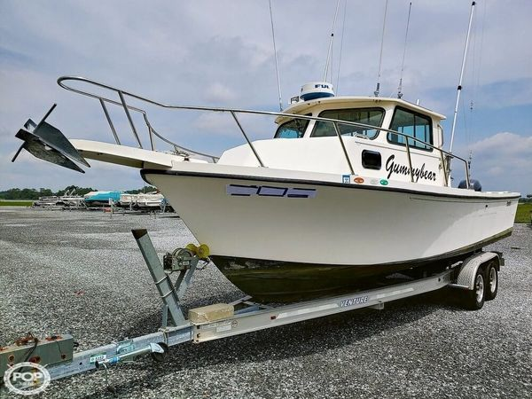 Used Parker Marine 2520 DV Sport Cabin Pilothouse Boat For Sale