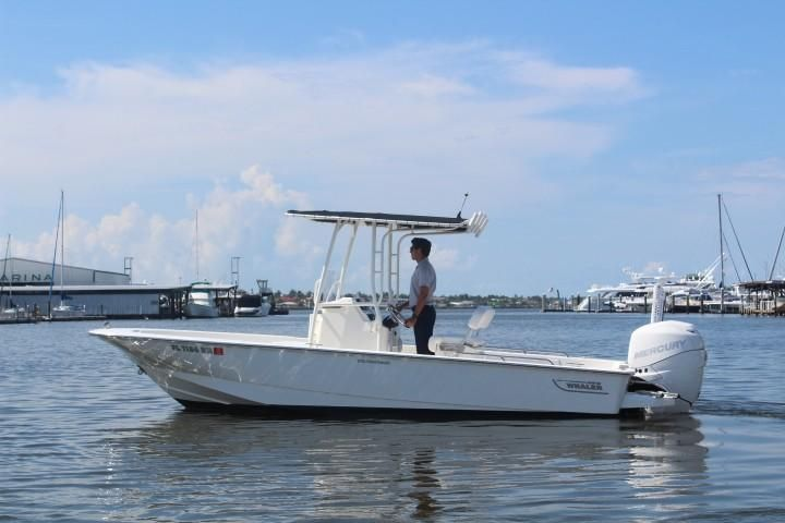 2017 Used Boston Whaler 210 Montauk Freshwater Fishing Boat For Sale