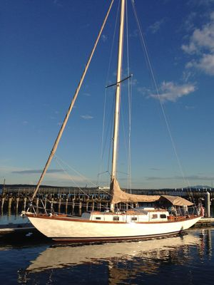 Used Pearson Rhodes 41 Cruiser Sailboat For Sale