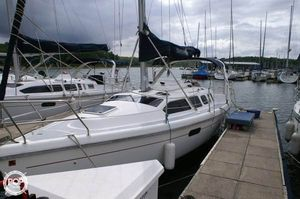 Used Hunter 310 Sloop Sailboat For Sale