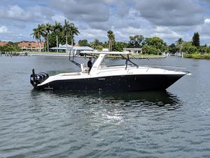 Used Hydra-Sports 35 Vector Express Cruiser Boat For Sale