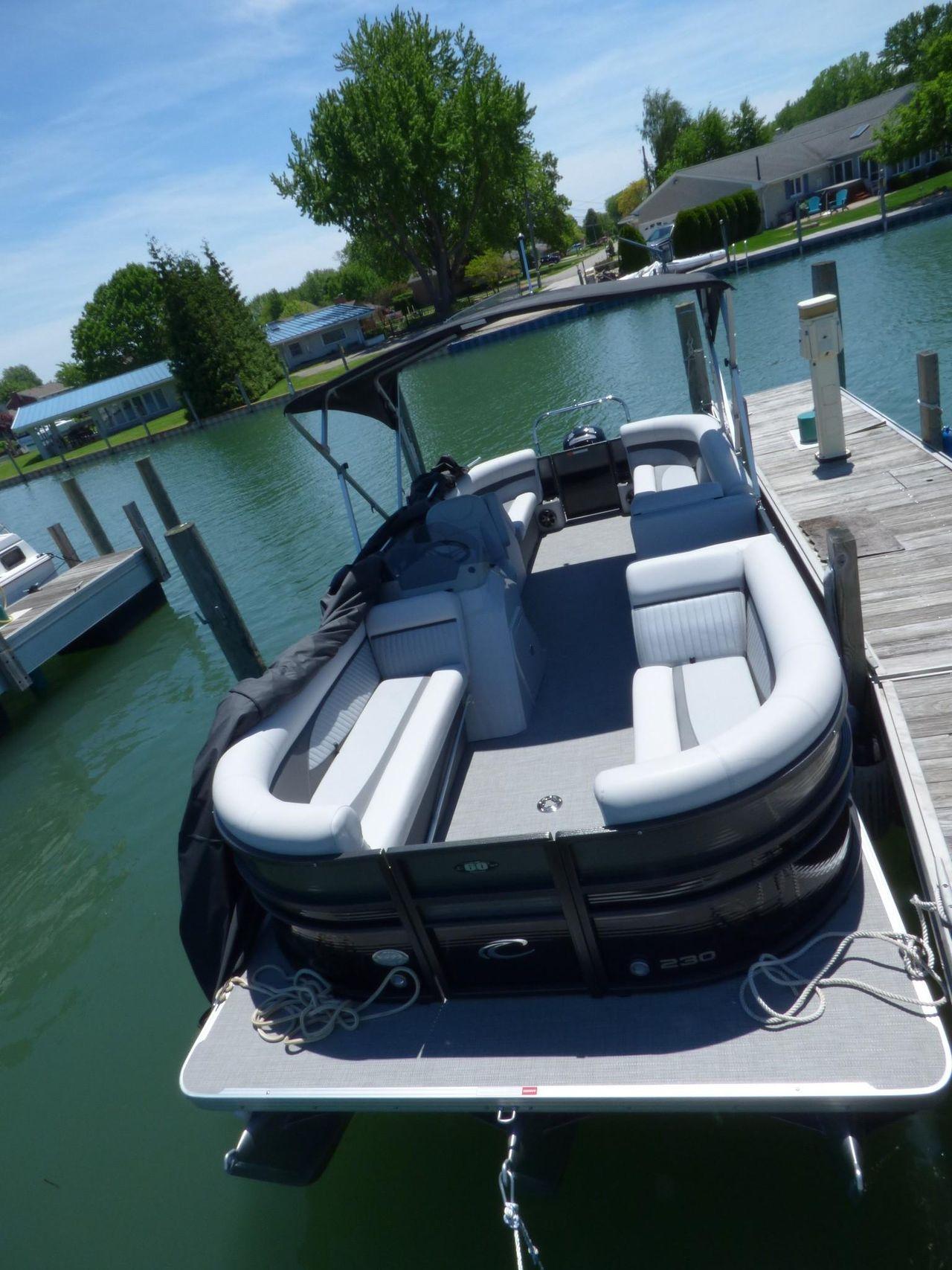2017 Used Crest 230 Sl Tri Pontoon Boat For Sale 44 900