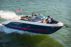 New Sea Ray SLX 250 Bowrider Boat For Sale