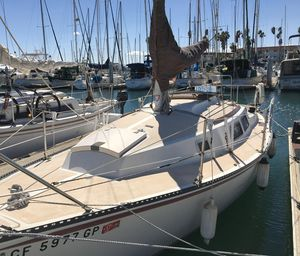 Used Newport 28 Daysailer Sailboat For Sale