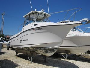 Used Seaswirl Striper 2601 Walk Around Center Console Fishing Boat For Sale