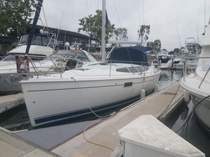 Used Hunter E36 Racer and Cruiser Sailboat For Sale
