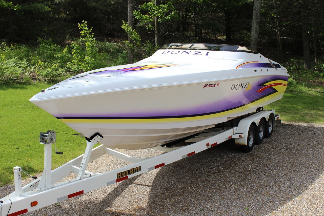 2004 Used Donzi 33 ZX High Performance Boat For Sale