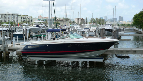 Used Chriscraft Corsair 33 Cruiser Boat For Sale