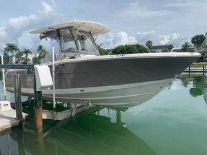 Used Robalo R300 Center Console Fishing Boat For Sale