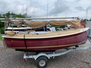 Used Com-Pac Picnic Cat Daysailer Sailboat For Sale