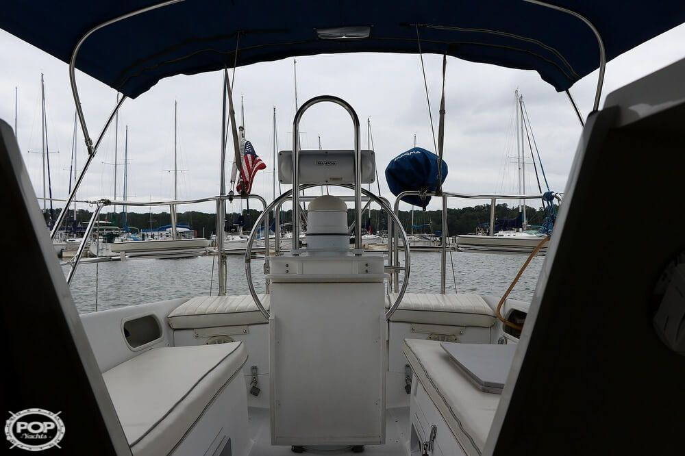 1996 Used Catalina 270 Sloop Sailboat For Sale - $25,000