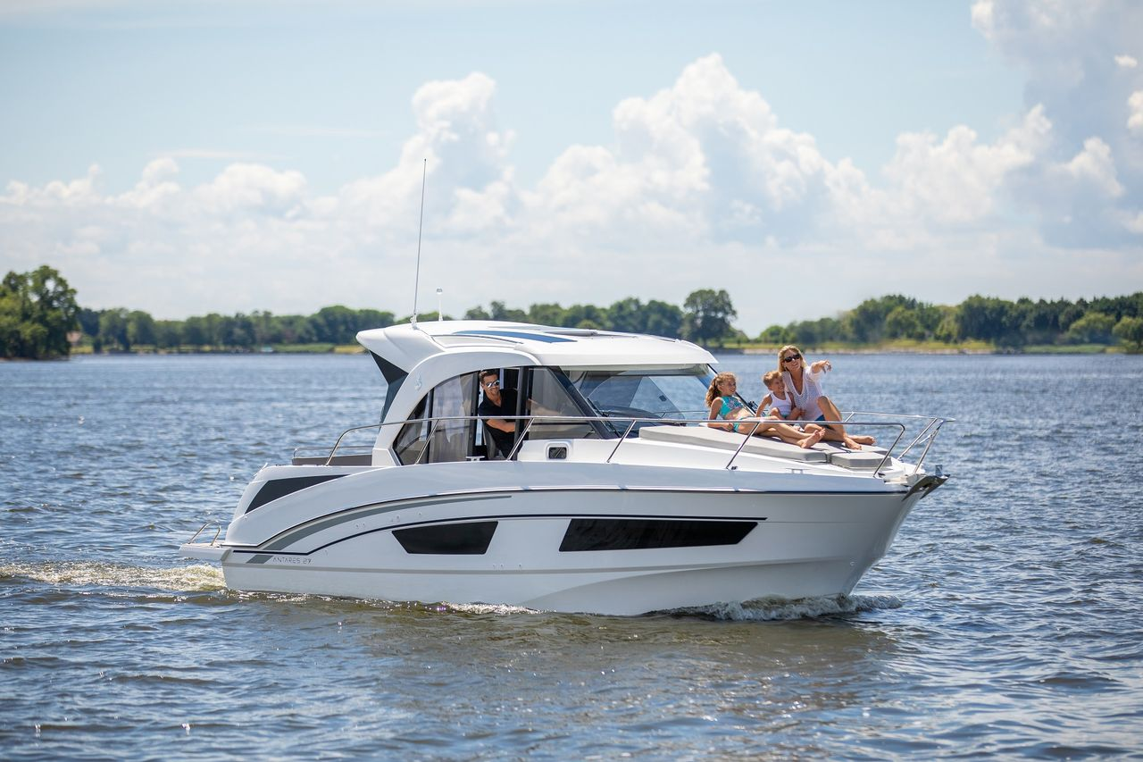 2019 New Beneteau Antares Cruiser Boat For Sale Lakeside