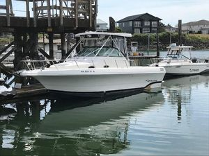 Used Pro-Line 2950 Walkaround Cuddy Cabin Boat For Sale
