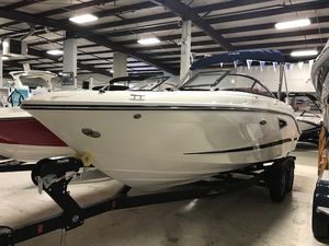 New Sea Ray SLX Series SLX 230 Bowrider Boat For Sale