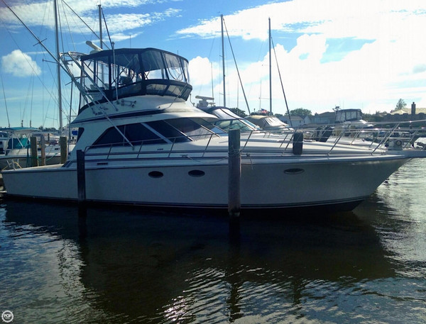 Used Trojan 12 Meter Convertible Sports Fishing Boat For Sale