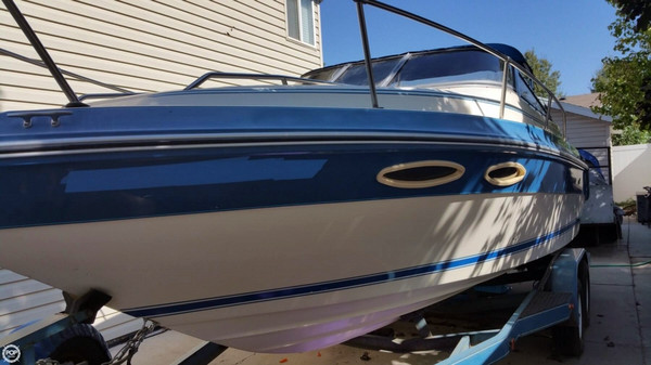 Used Sea Ray 230 Cuddy Cabin Cruiser Boat For Sale